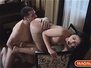 buttfuck hoe Julia De Lucia takes meatpipe