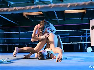 mighty vag licking in boxing ring
