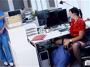booties BUERO - fabulous German assistant plumbs at the office