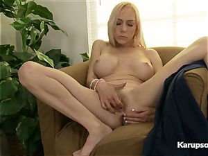 Mirabella Amore Gets Off With Her electro-hitachi